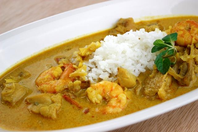 タイ風レッドカレースープ